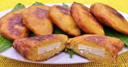 4 läckra recept på fyllda kokbananer