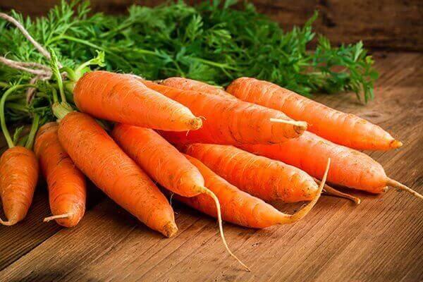 Råa morötter