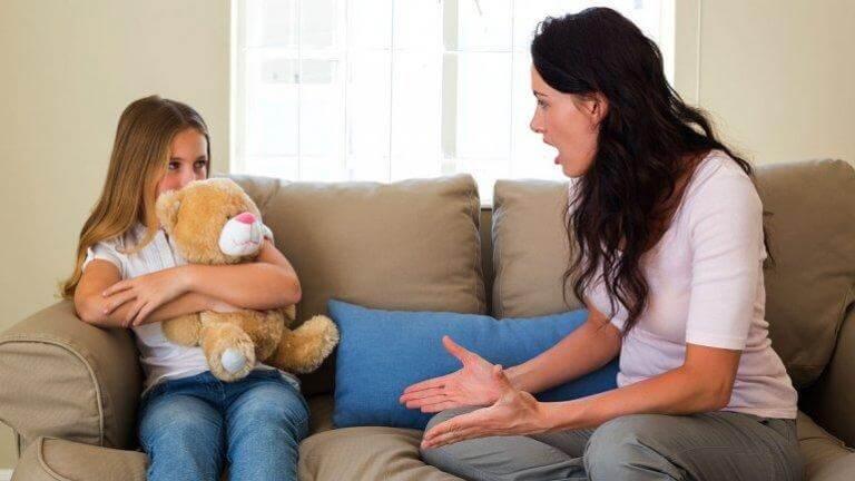 Lär dig strategierna till hur du hanterar barn i trotsåldern