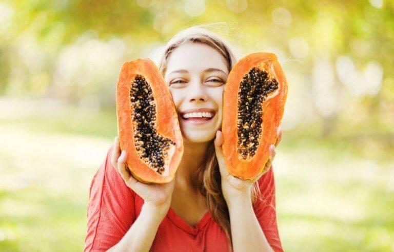 Varför det är så nyttigt att äta papayakärnor