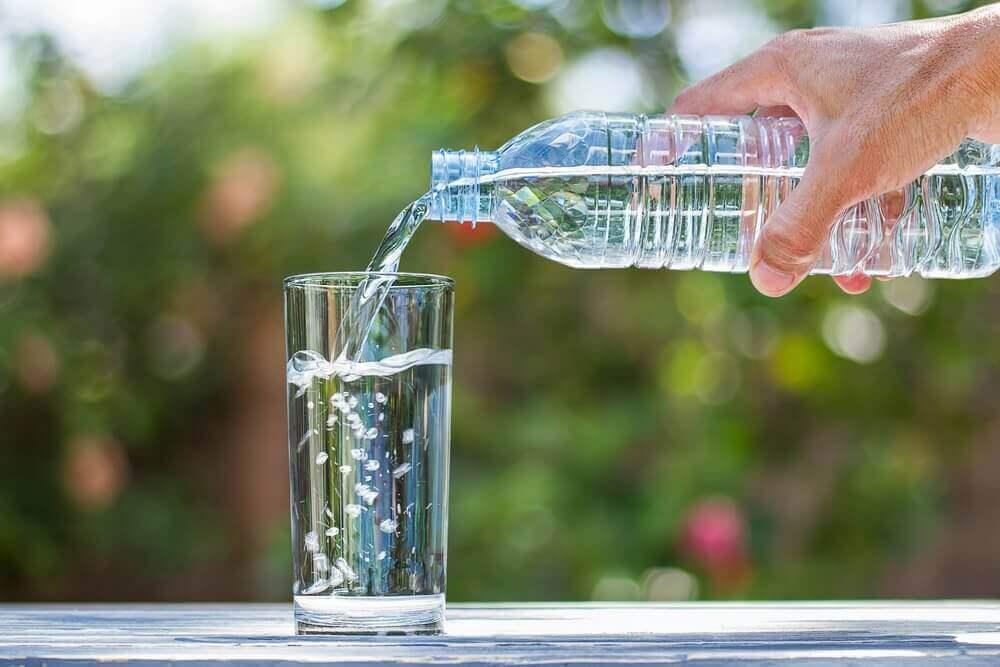 Glas-med-vatten.