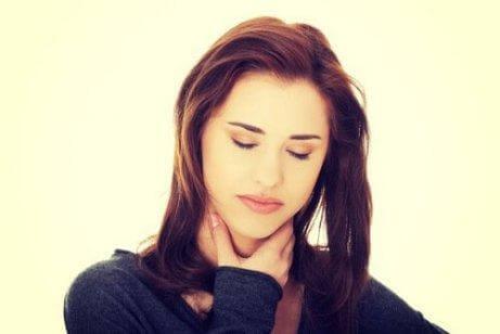 Halsbränna är ett av symptomen på refluxsjukdom