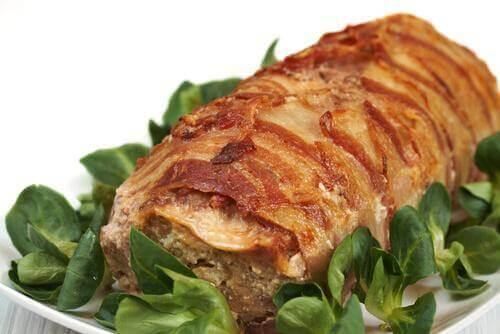 Marinerat kött med örter.