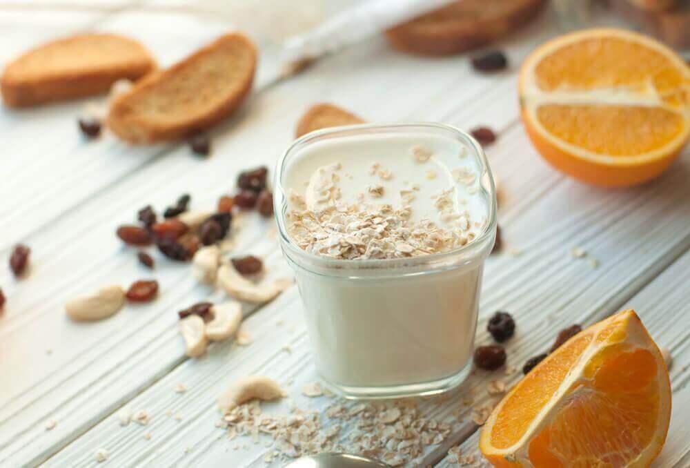 Näringsrik smoothie med apelsiner.