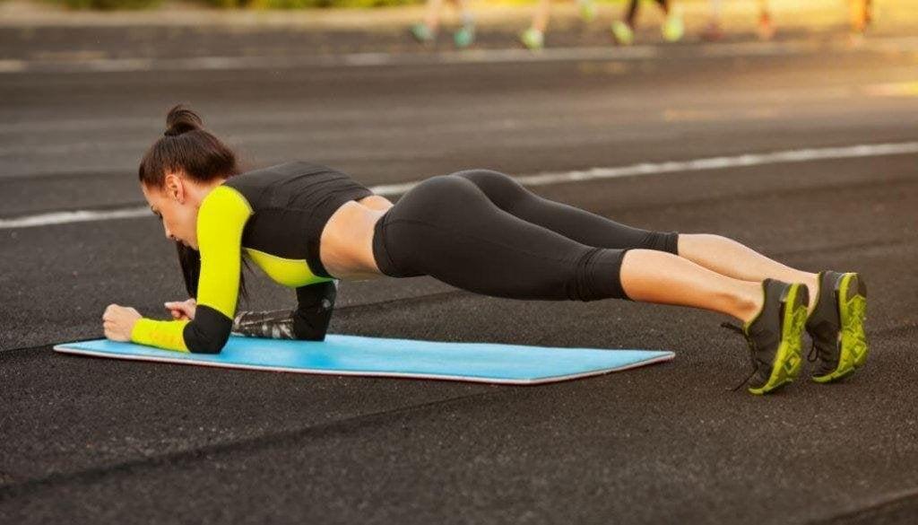Vältränade kurvor - 5 enkla övningar du kan göra hemma