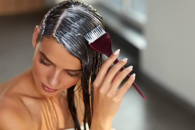 Repolarisering av håret hemma: reparera håret på minuter