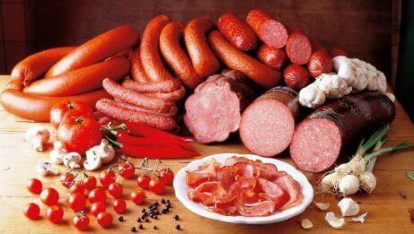 Rött kött bör undvikas.