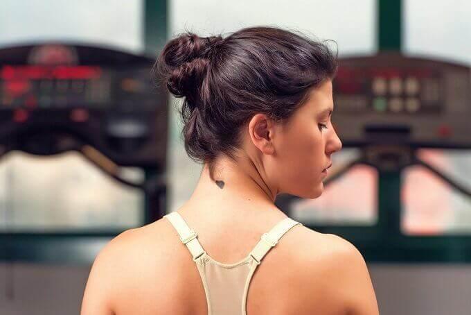6 effektiva tips för att få en ung, len hals