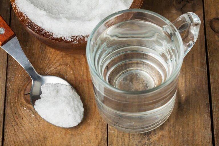 Gurgla med bikarbonat när du är förkyld