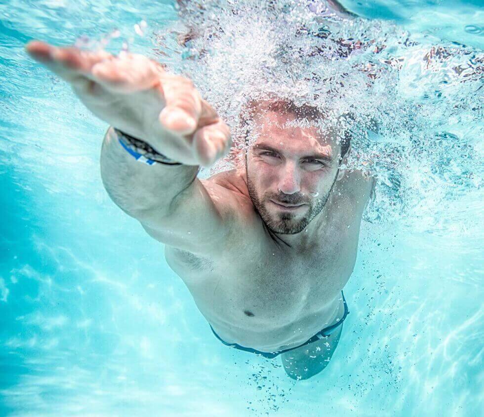 Simning ökar hjärtrytmen