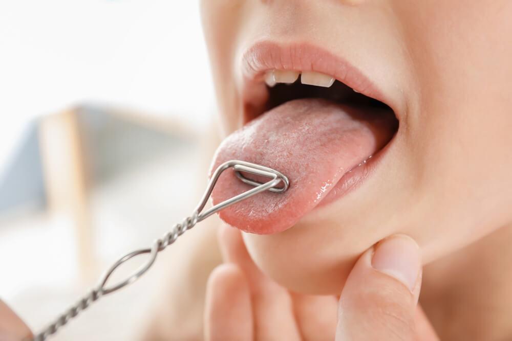 Cirkelrörelser med tungan