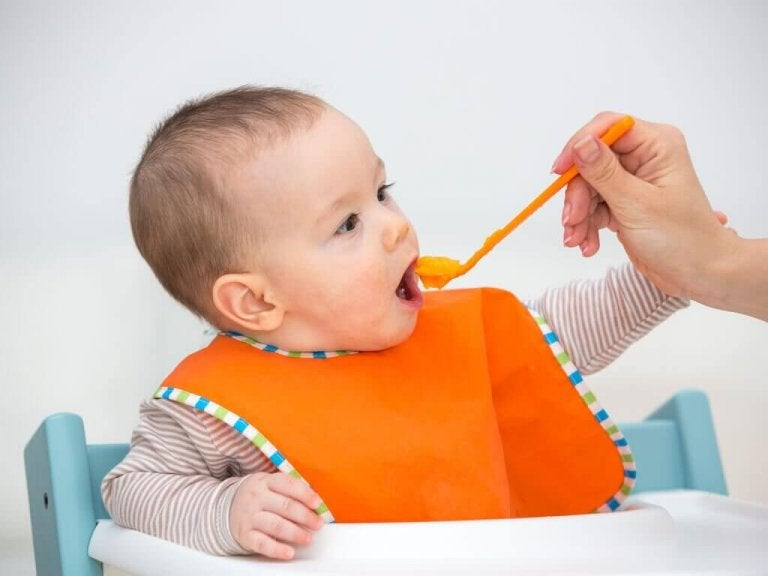 Fördelarna med att mata bebisar med fruktpuréer