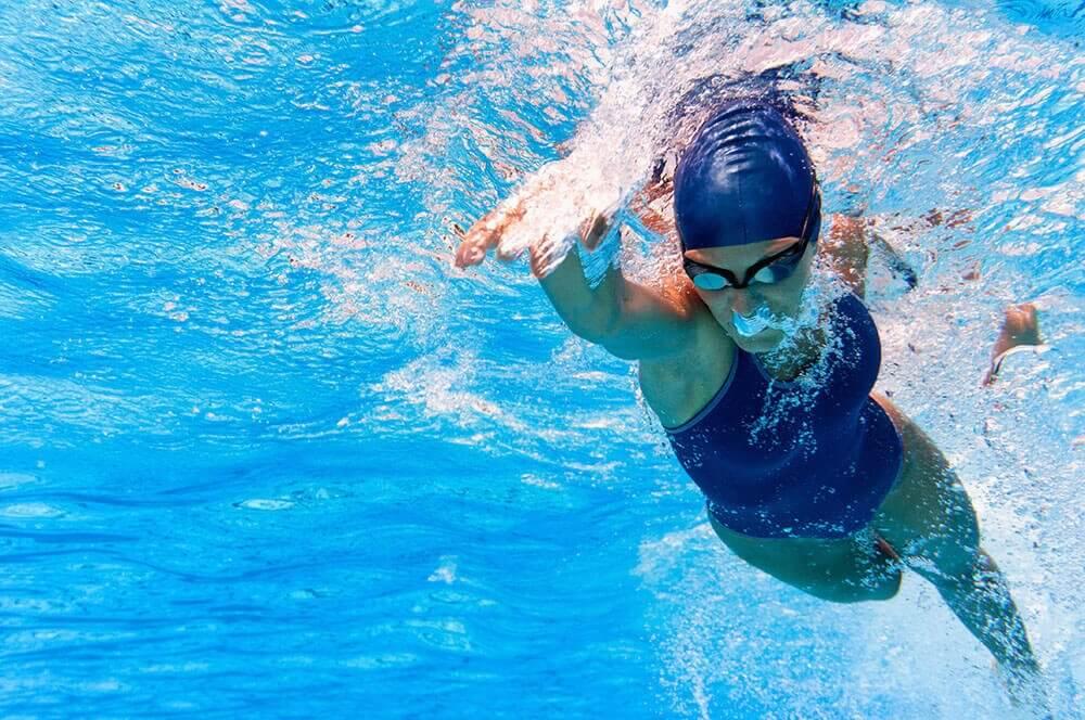 Simning är varsamt för kroppen