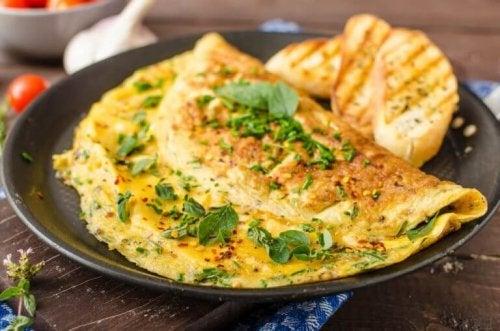 Omelett är en proteinrik frukost
