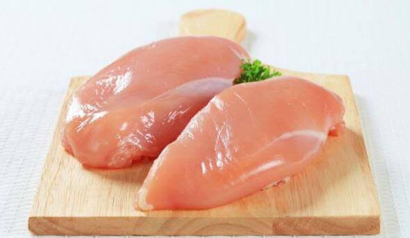 Färska kycklingfiléer