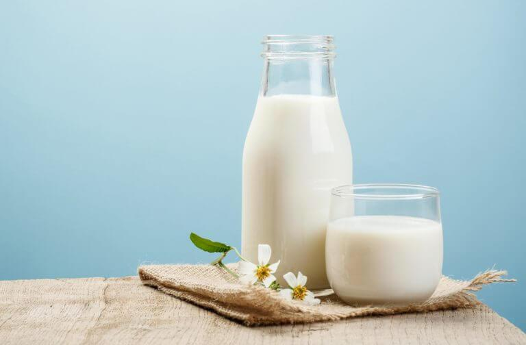 kanna med mjölk