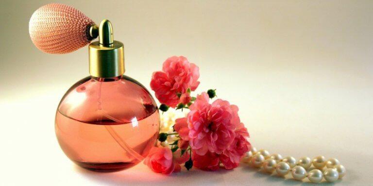 Dekorera ditt hem med dina gamla parfymflaskor