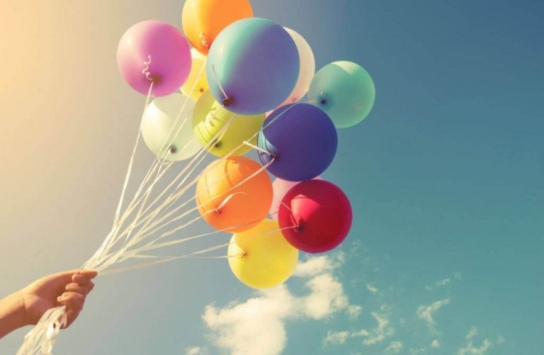 De 16 bästa sätten att dekorera med ballonger