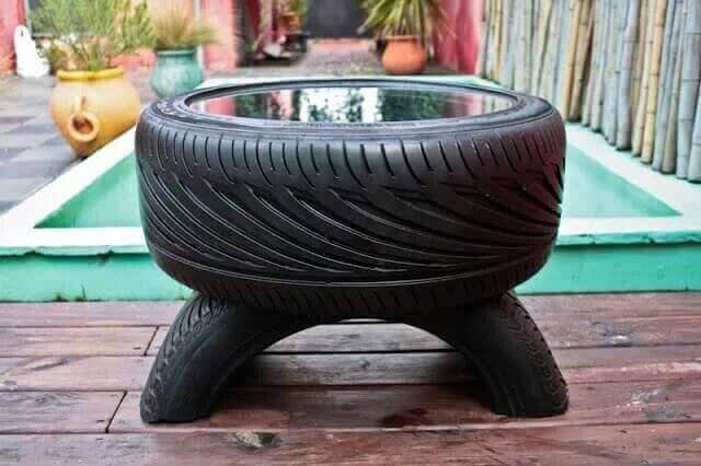 Ett bord av däck