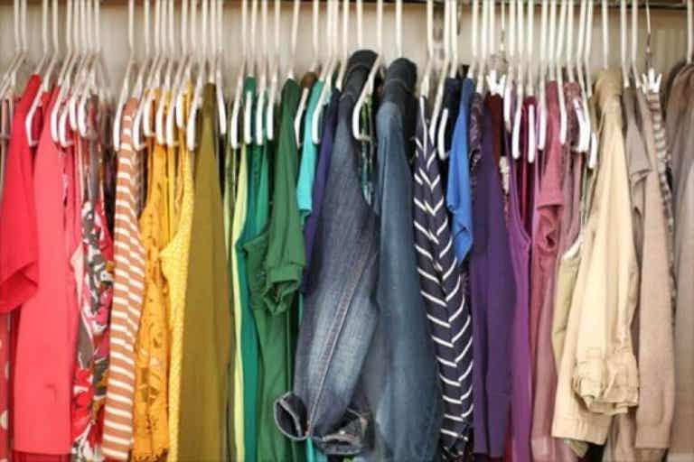 Förnya kläder enkelt och billigt - Här är 4 tips!