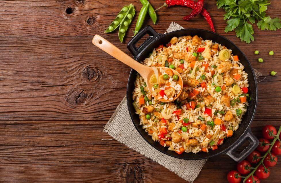 Recept på ris med kyckling och grönsaker