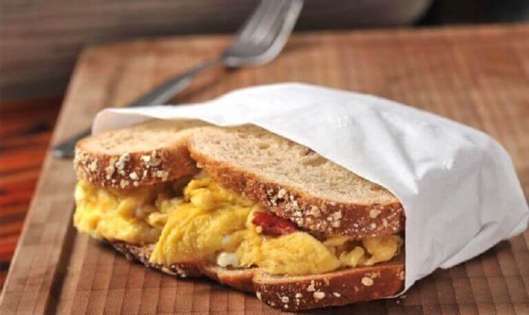 Smörgås med ägg