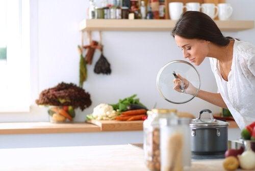 4 trick för att bli av med lukt från avlopp