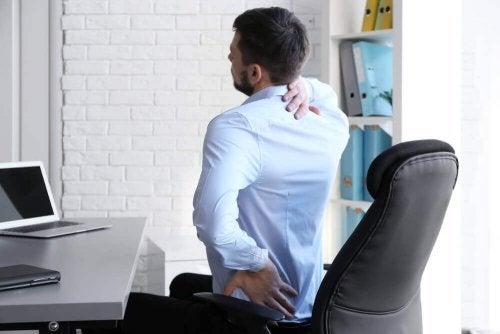 Hållning kan påverka ryggvalkar.
