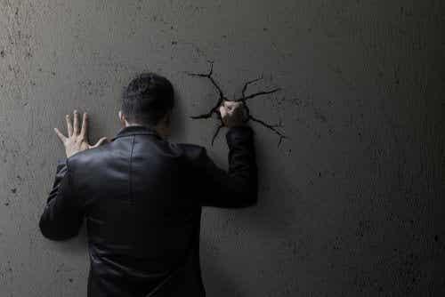 Att tränga undan känslor ökar ångest