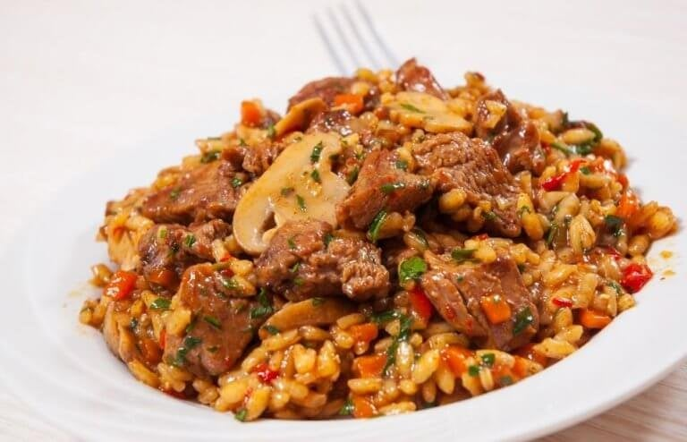 Recept på kinesiskt ris med kyckling och honung