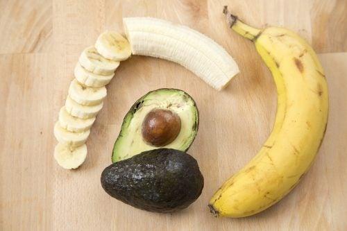Banan och avokado
