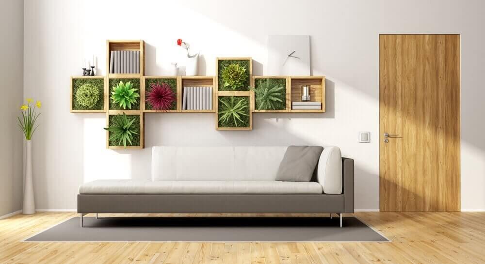 Hängande trädgård och soffa.