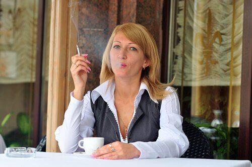 Rökning och kaffedrickande kan ge hjärtklappning