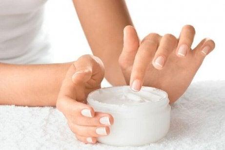 Ett tips vid cirros är att ta hand om huden