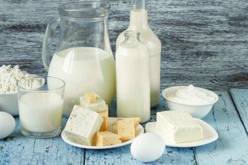 Olika typer av mjölkprodukter.
