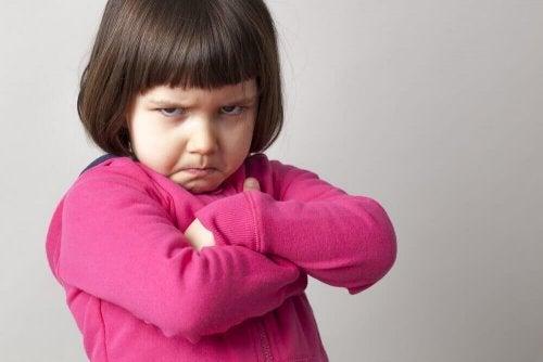 Barn ska få vägra fysisk kontakt