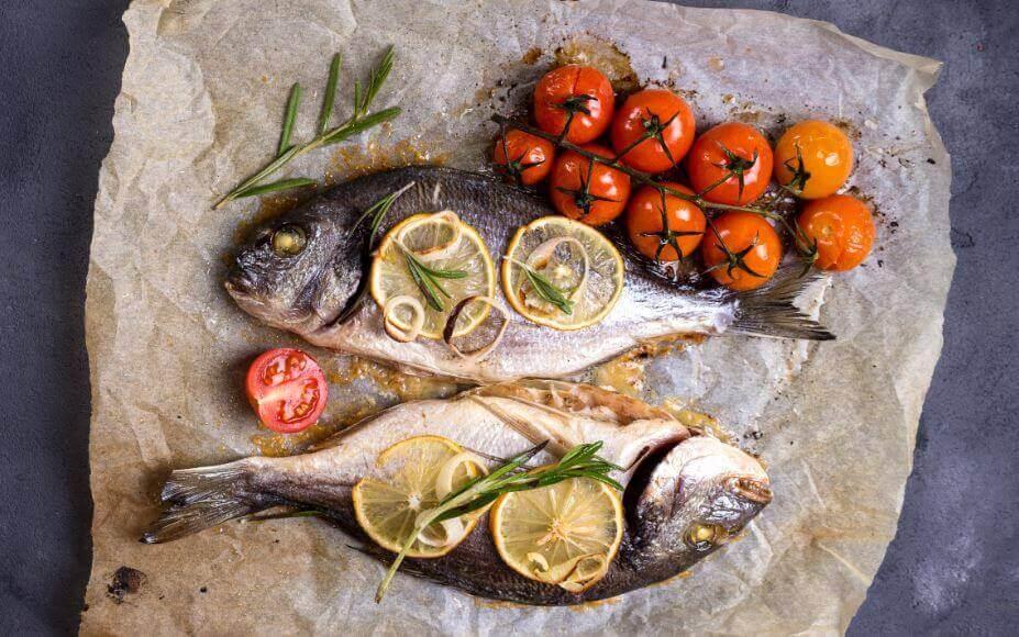 Fisk och grönsaker - komplement till dieten med kålsoppa