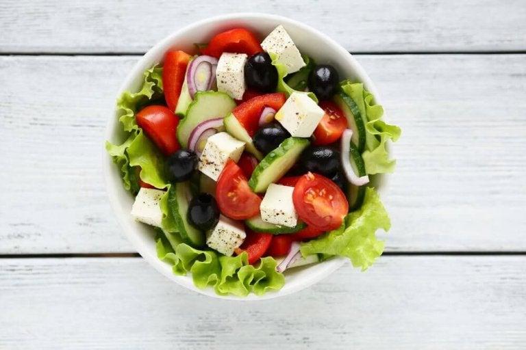 Överraska dina gäster med en utsökt grekisk sallad