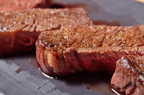 Hur man tillagar kött utan att förlora saftigheten
