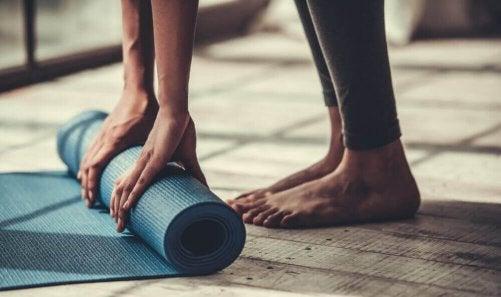 Yogaposer för den som inte är så vig