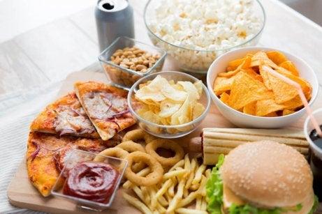 Livsmedel att undvika om du har magsår.