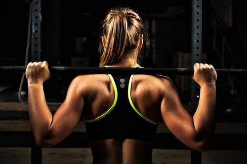 Träna inte samma muskler varje dag.