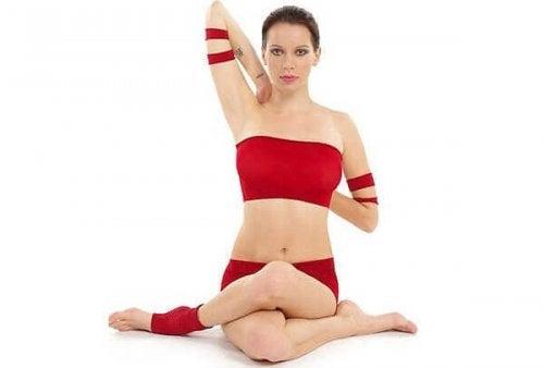 3 yogapositioner som lindrar nackspänningar