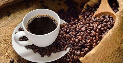 Behandla lågt blodtryck med kaffe