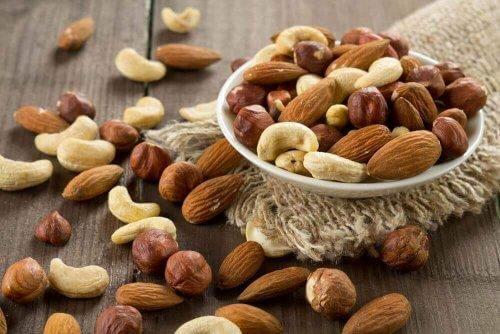 Nötter innehåller fibrer