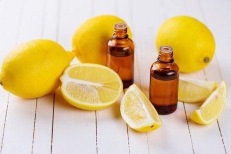 Citronolja rengör handdukar