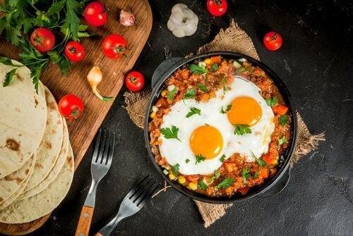 Colombiansk perico är en utsökt äggrätt.