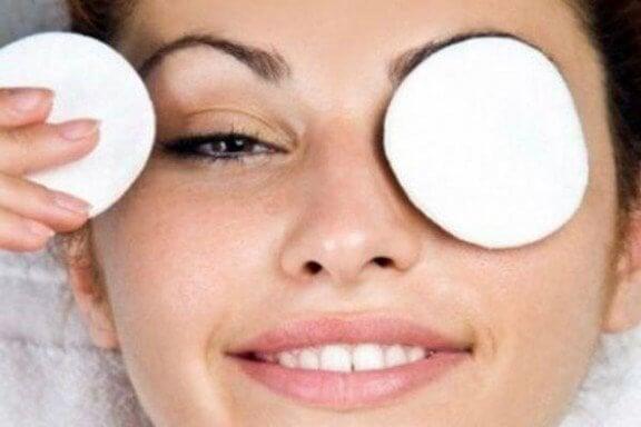 Få bort mörka ringar naturligt och effektivt - Steg för Hälsa 6617e31ade686