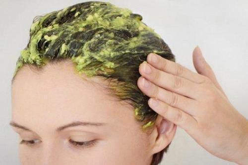 Avokado och majonnäs är bra som hårmask