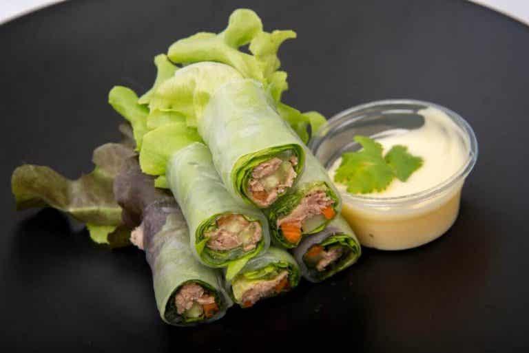 3 läckra salladswraps med grönsaker och frukt